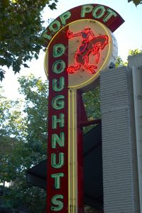Toppot Sign