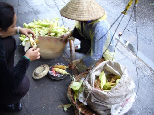 Roasted corn vendor in Hanoi