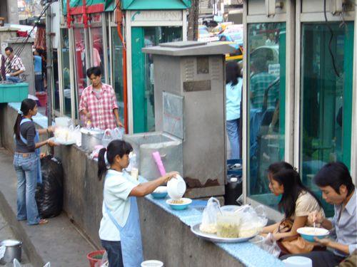 Street food vendors in Bangkok